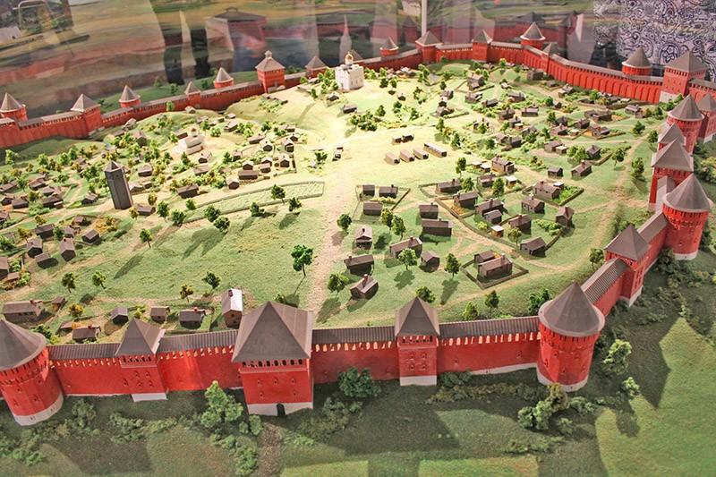 Макет смоленской крепостной стены