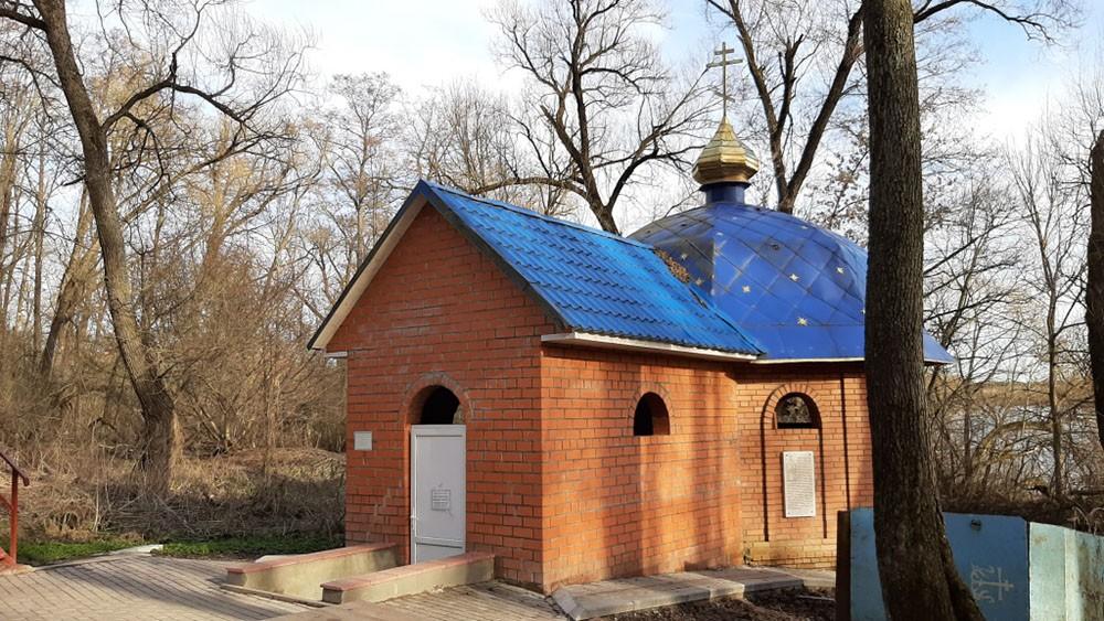 Святой источник у Свенского монастыря