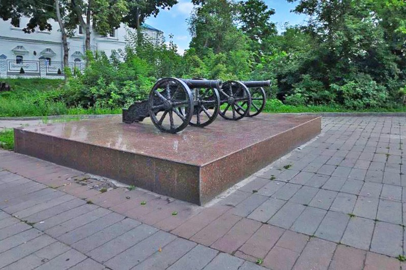 Пушки Брянского арсенала на покровской горе