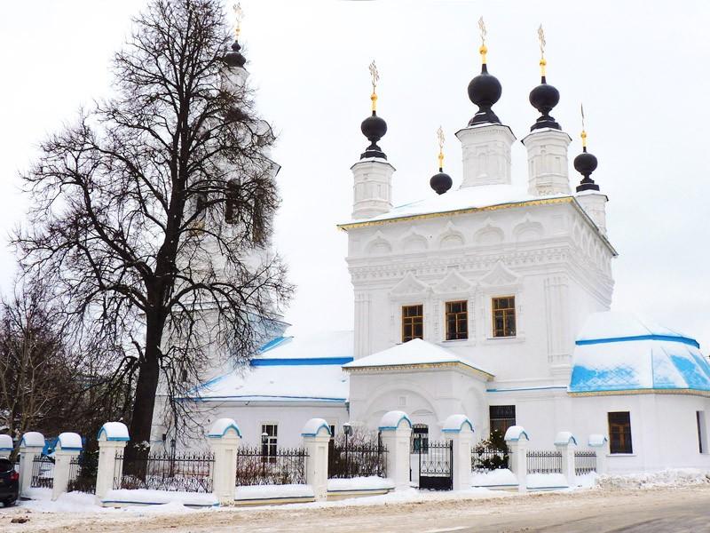 Церковь Покрова Пресвятой Богородицы на рву (17 век)