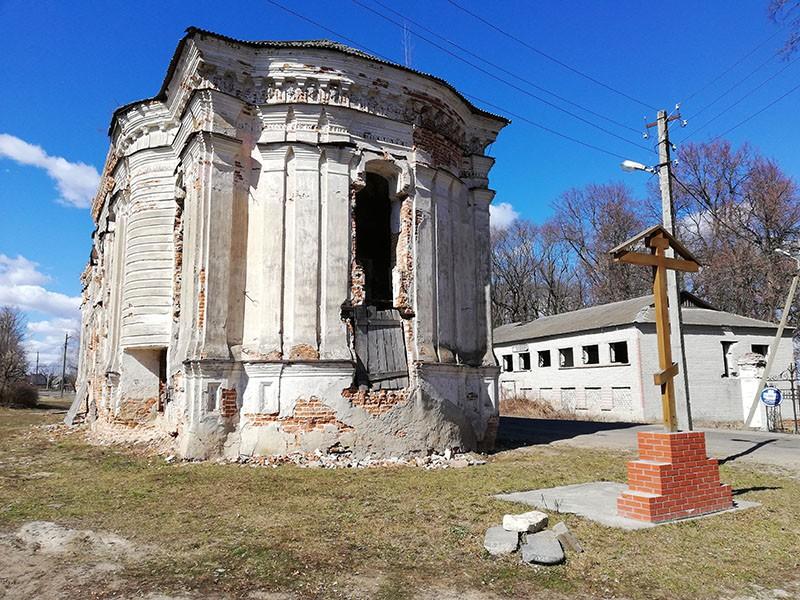Преображенский храм в Хотылёво
