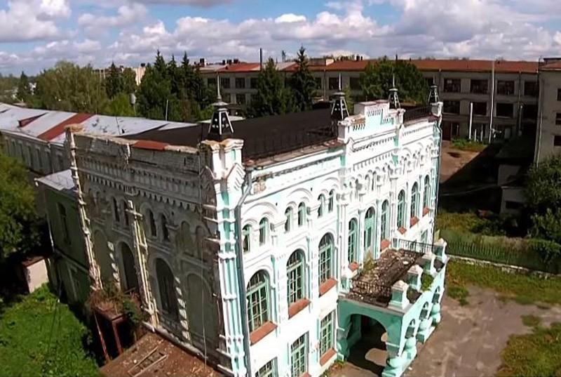 Здание мужской гимназии Стародуб