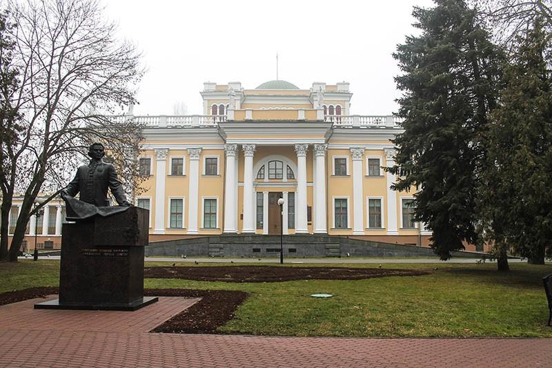 Памятник Румянцеву Н.П.