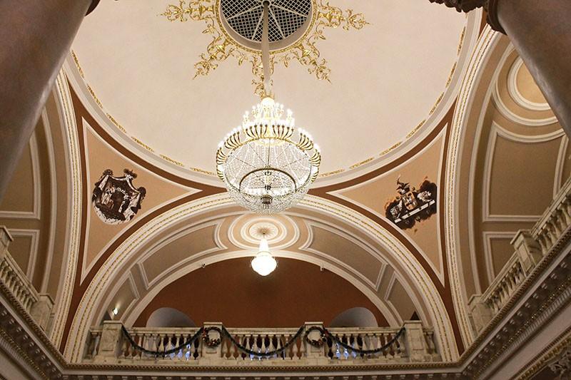 Центральный зал гомельского дворца